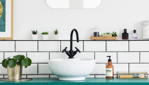 Καθαρίστε Ολόκληρο το Μπάνιο με ΑΥΤΟ το Πανάκι σε 15 Λεπτά