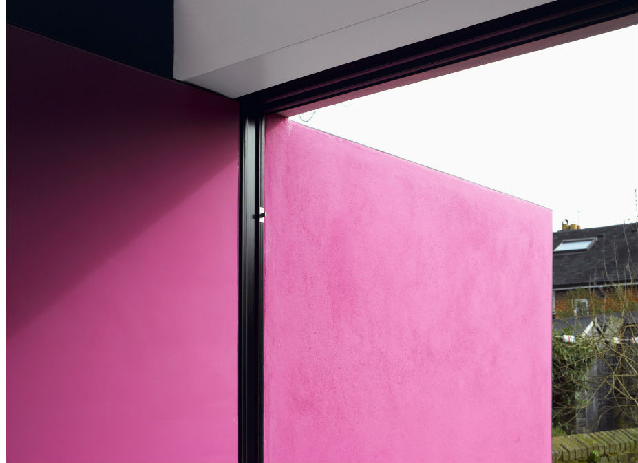 O μεξικάνος αρχιτέκτονας Louis Barragan χρησιμοποίησε το χρώμα για να «στολίσει» τα πολύ απλά και μοντέρνα κτίριά του.