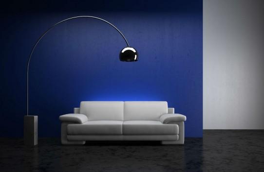 «Μπορώ να βάλω το μπλε ως βασικό χρώμα σε ένα μικρό διαμέρισμα»;