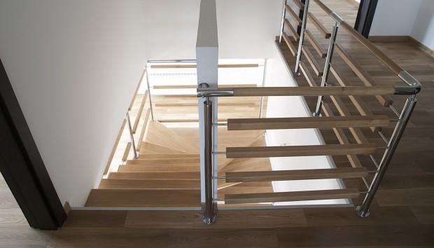 Εσωτερική σκάλα: Ανεβάζει την αισθητική σκαλί, σκαλί