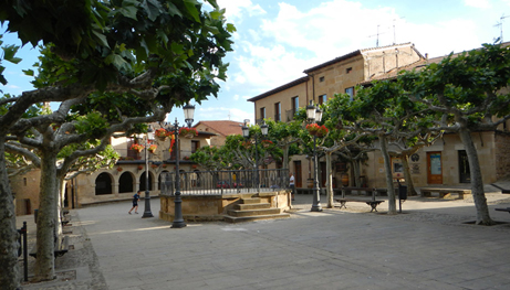 H  κεντρική πλατεία του χωριού Elciego.