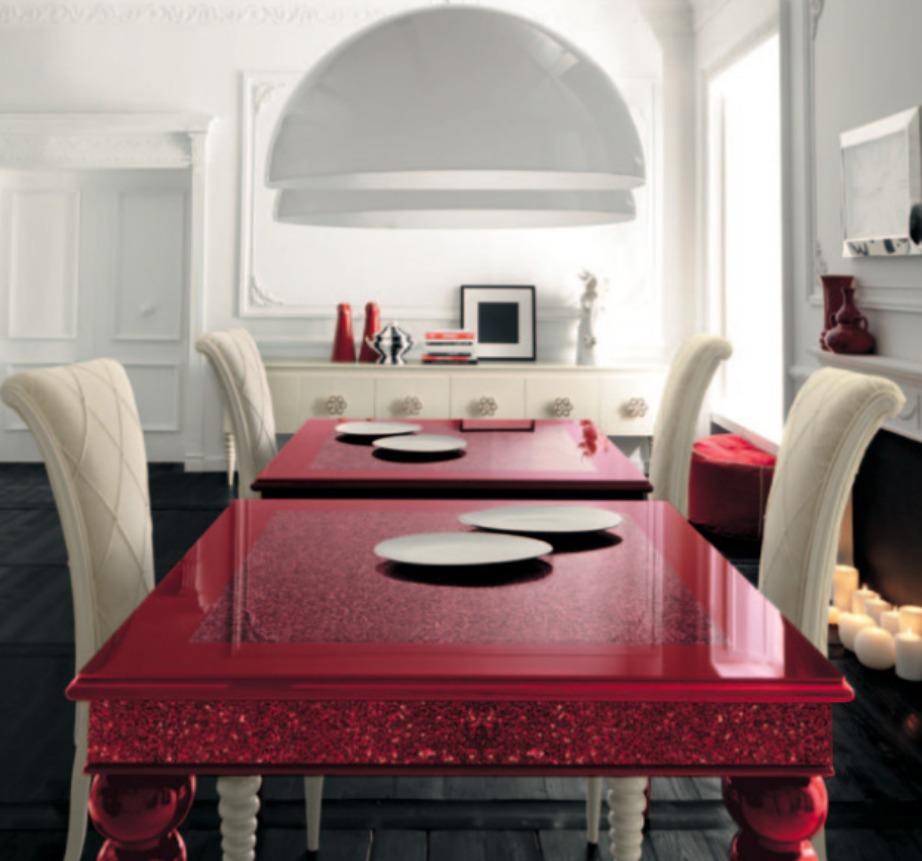 Μπορείτε, αν θέλετε, να διακοσμήσετε τα δύο τραπέζια με τον ίδιο τρόπο ακριβώς.