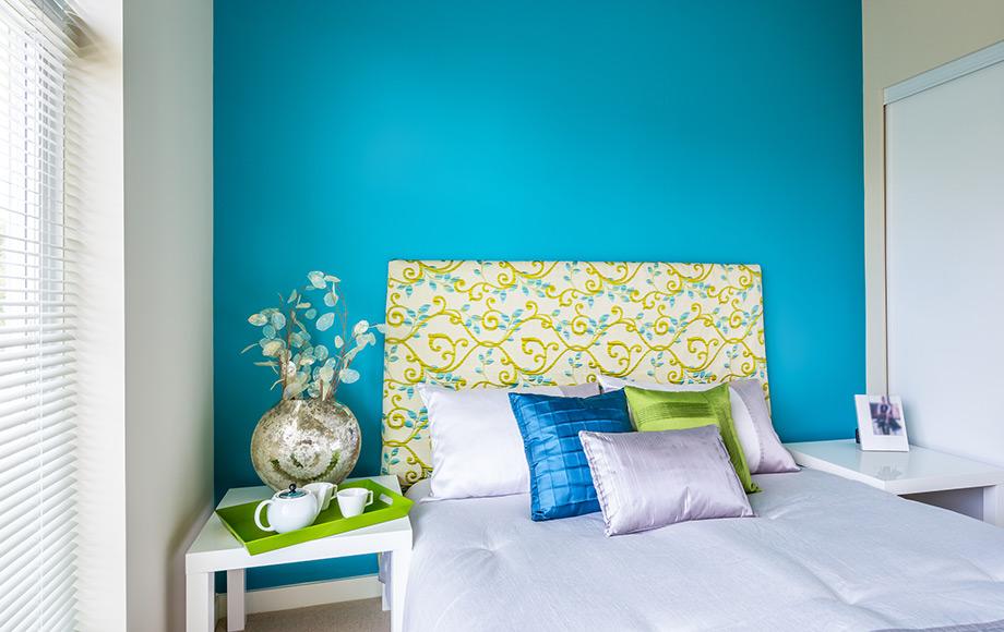 Διαλέξτε τα χρώματα που σας αρέσουν και χρησιμοποιήστε τα σε αρκετά στοιχεία του δωματίου για ολοκληρωμένο αποτέλεσμα.
