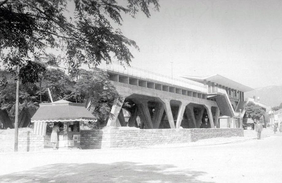 Ο σταθμός του τρένου στο Μαρούσι.