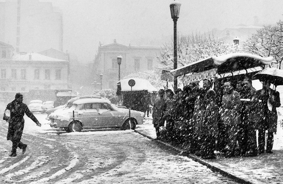 Χιονισμένη η Λεωφόρος Αλεξάνδρας.