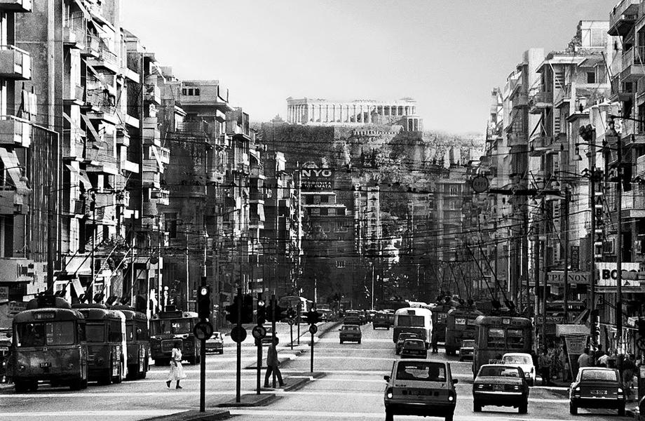 Η μαγευτική θέα της Ακρόπολης από τη λεωφόρο Συγγρού.
