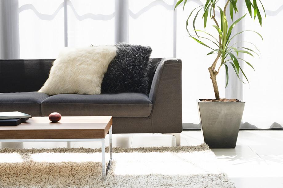 Τα υφάσματα με πιο έντονη υφή θα δώσουν χαρακτήρα ακόμα και σε ένα απλό δωμάτιο.