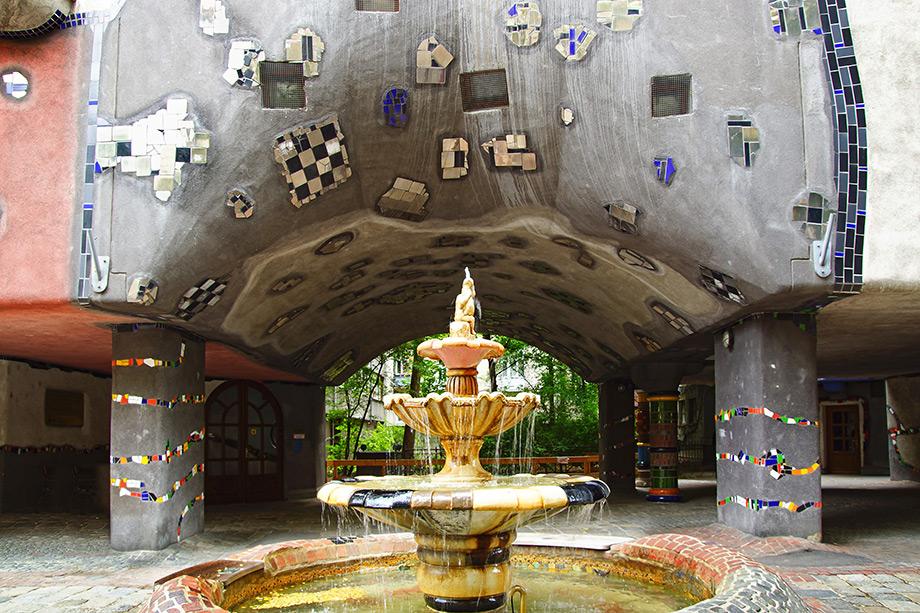 thehomeissue_Hundertwasserhaus02