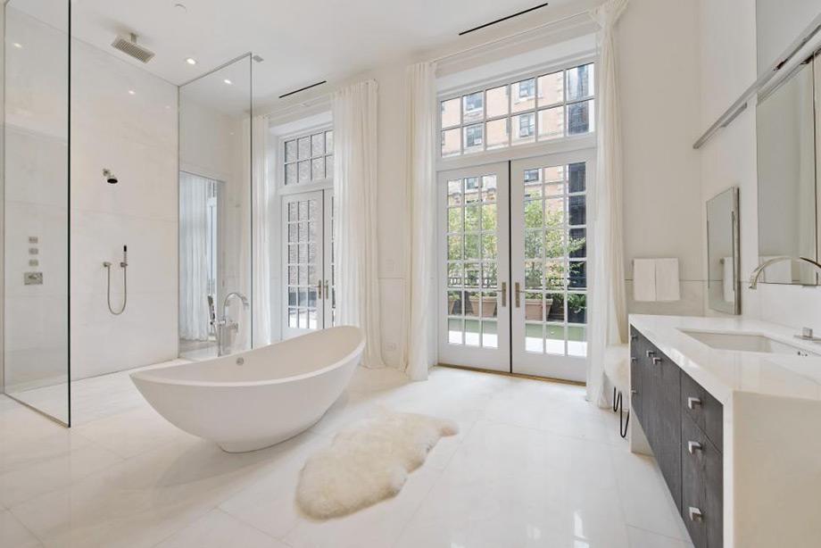 Το μπάνιο του master bedroom.