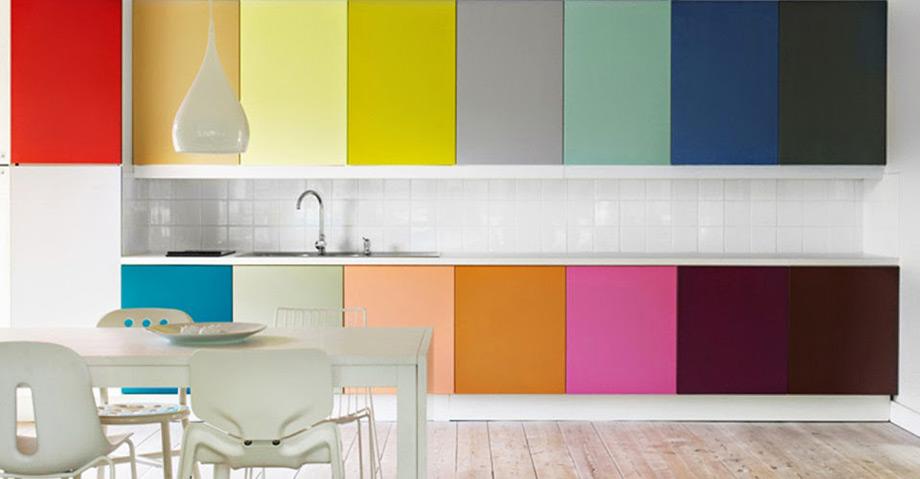 Το color blocking μπορεί να μετατρέψει την κουζίνα σας στο πιο στυλάτο δωμάτιο του σπιτιού.