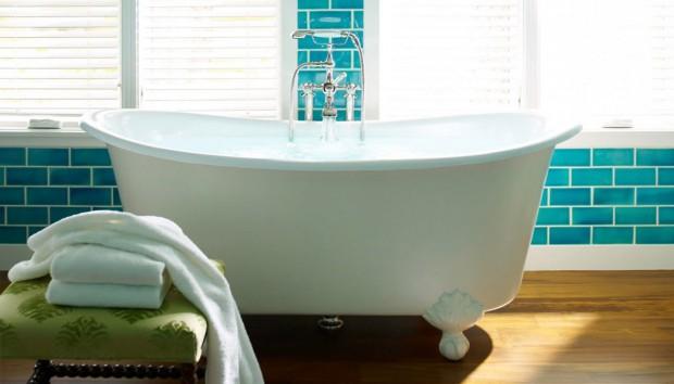 8 Εκπληκτικές Ιδέες για να Βάλετε Χρώμα στο Μπάνιο σας
