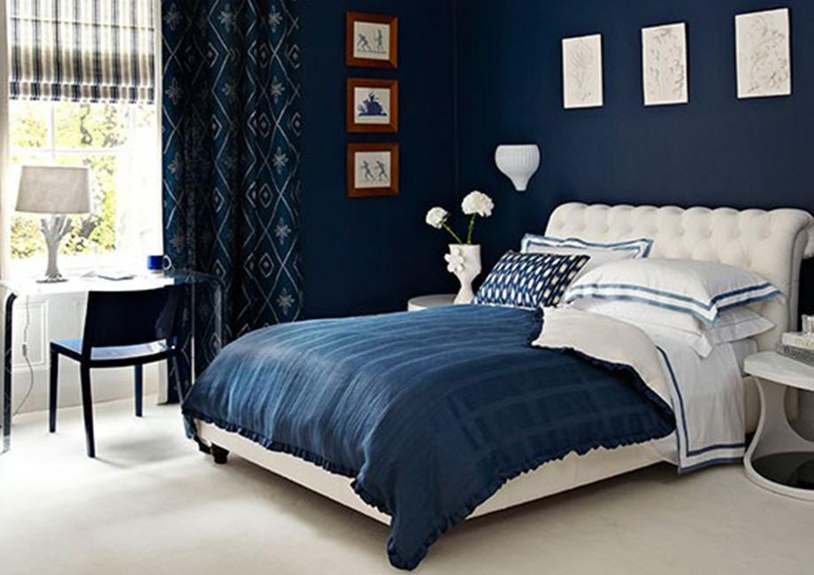 Το μπλε του μεσονυχτίου αποτελεί κλασική επιλογή.