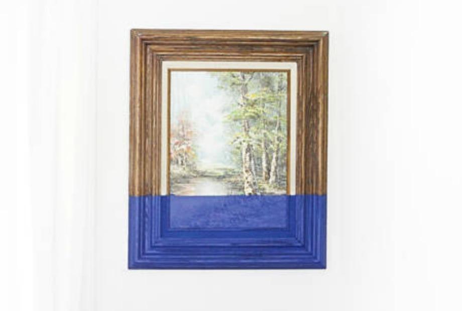 Τολμήστε να βάψετε μέχρι τη μέση τους πίνακες σας με μπογιά. Μπορεί και να σας αρέσει το αποτέλεσμα.