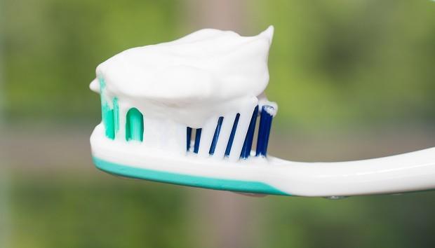 Φτιάξτε Σπιτική Οδοντόκρεμα σε 1 Λεπτό!