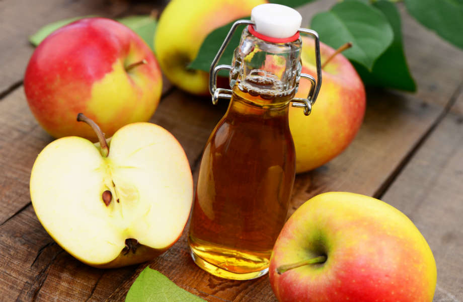 Το μηλόξιδο, πέρα από αδυνατιστική δράση, βάζει τέλος και στις μελανιές!
