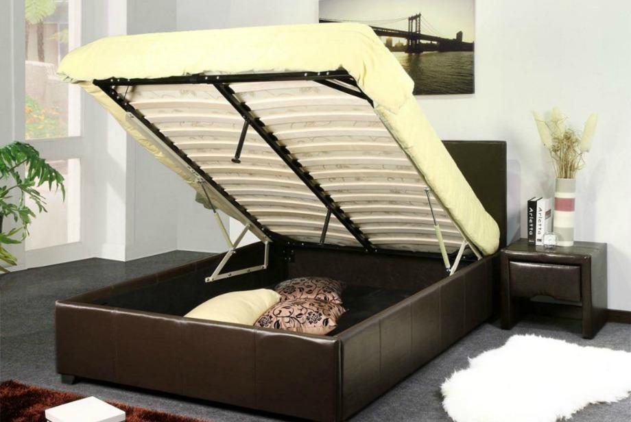 Ο χώρος κατω από το κρεβάτι είναι ιδανικός για έξτρα αποθήκευση