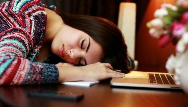 Τα tips που θα διώξουν την κούραση οριστικά και θα κοιμηθείτε ήσυχα!