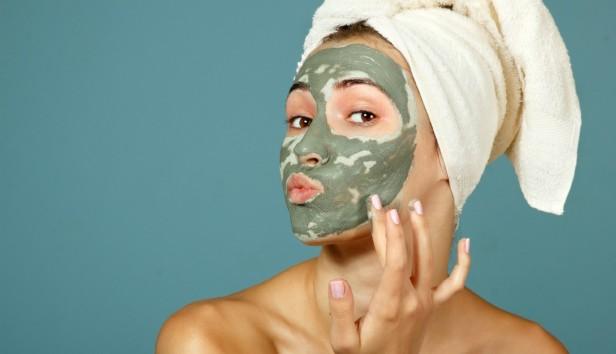 Αυτό είναι το μπαχαρικό που καθαρίζει, απολεπίζει και δίνει λάμψη στο πρόσωπό σας