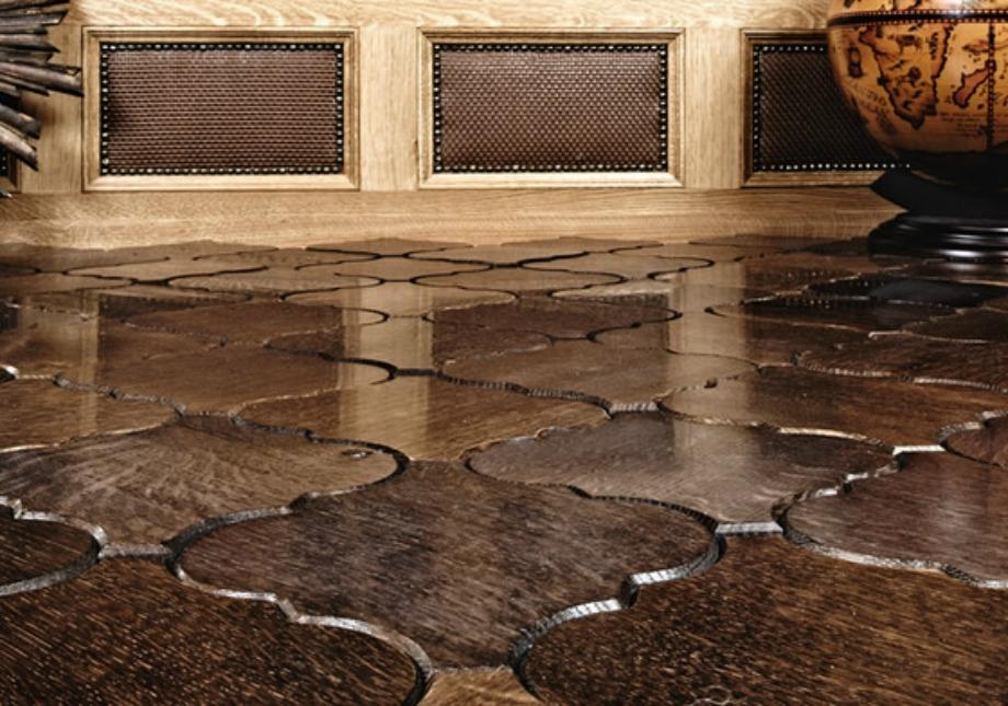 Ξύλινο πάτωμα με υπέροχο σχέδιο που θυμίζει κεραμίδια