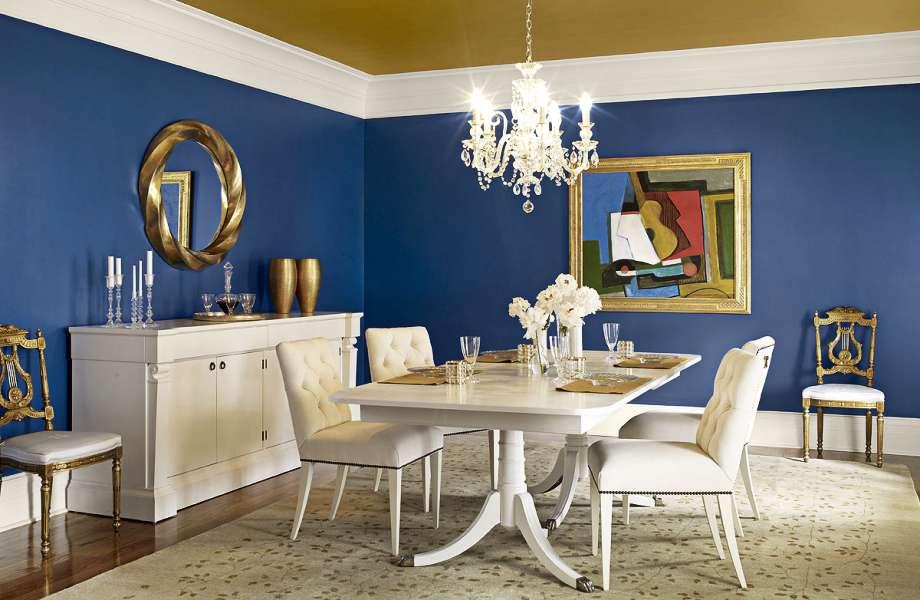 Το μπλε αποτελεί ιδανική επιλογή για την τραπεζαρία σας-ειδικά αν είστε φαν της πολυτέλειας!
