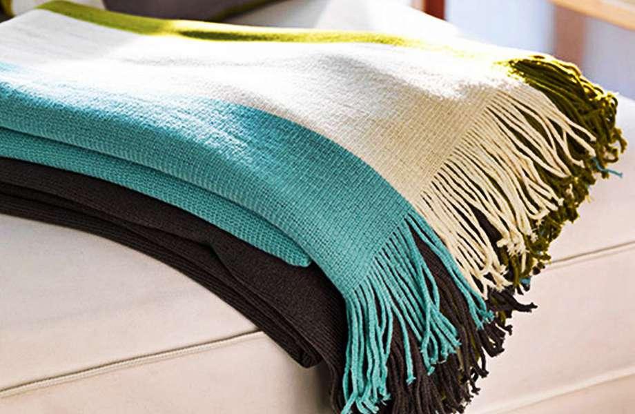 Τα διαφορετικά χρώματα στις ρίγες δίνουν φρεσκάδα και στυλ στο ριχτάρι σας!