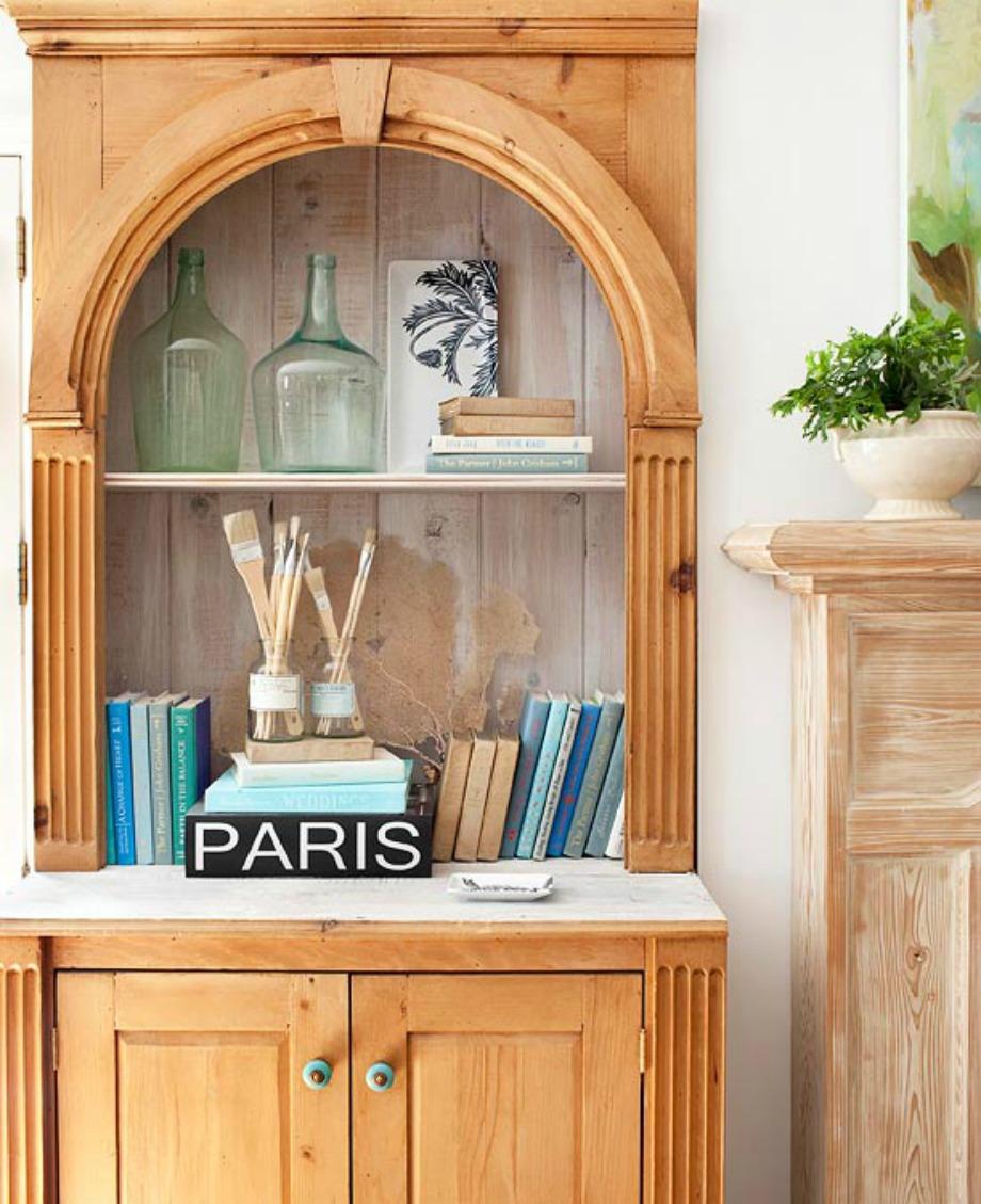 Ένα βάζο, ένα μπουκάλι ή κάποιο άλλο διακοσμητικό μπορούν να σας δώσουν ιδέες για τα χρώματα που θα επιλέξετε στο δωμάτιό σας