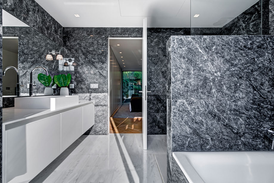 thehomeissue_oneathens_Bathroom