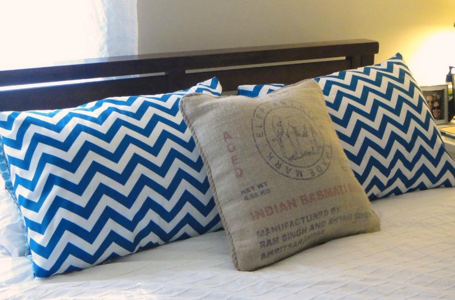 Φροντίστε να αλλάζετε συχνά τα μαξιλάρια σας αλλά και τις μαξιλαροθήκες για να μην αφήνετε τη σκόνη να συσσωρεύεται