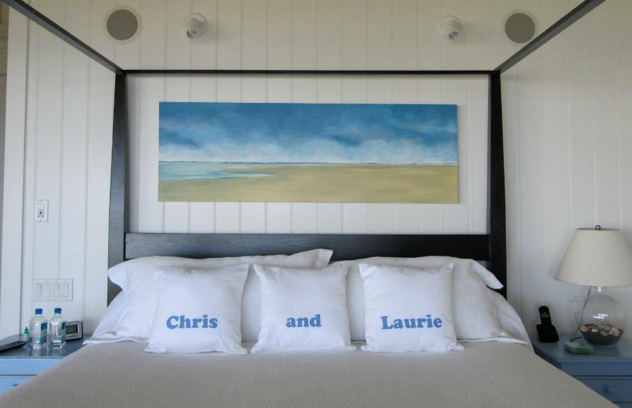 Ένας πίνακας ζωγραφικής προσθέτει πάντα στιλ σε ένα υπνοδωμάτιο