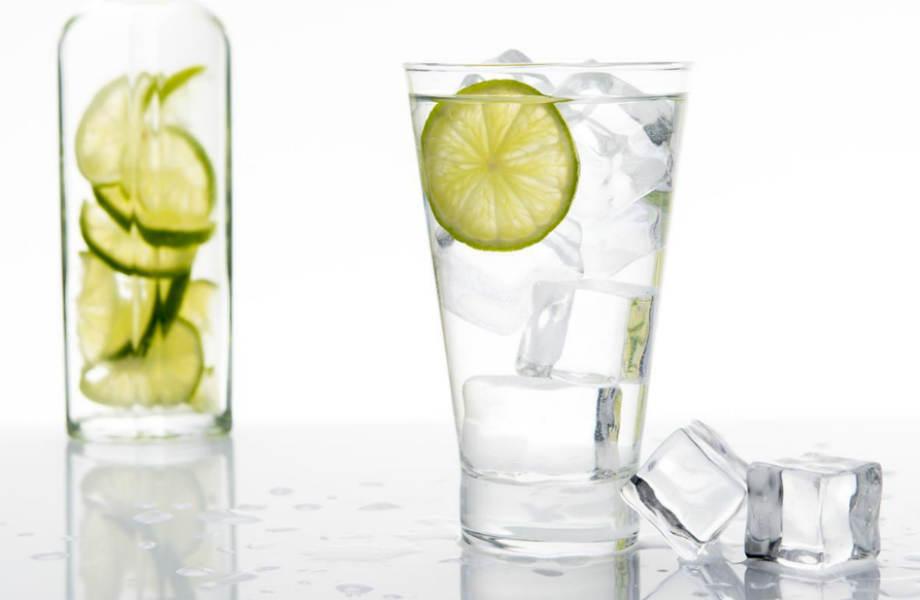 Πείτε το νερό, νεράκι: μειώνει το αίσθημα πείνας και, παράλληλα, αυξάνει τις μεταβολικές καύσεις!