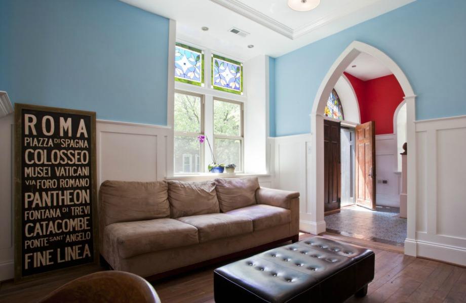 Μίνιμαλ διακόσμηση και για το σαλόνι