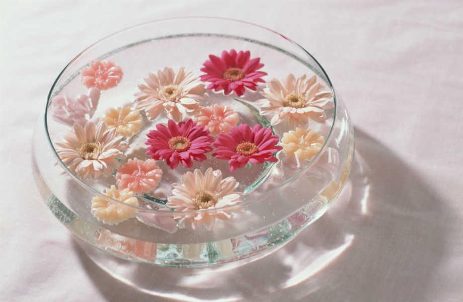Όταν επιπλέουν, τα λουλούδια σας δε φαίνονται καθόλου –μα καθόλου- συνηθισμένα!