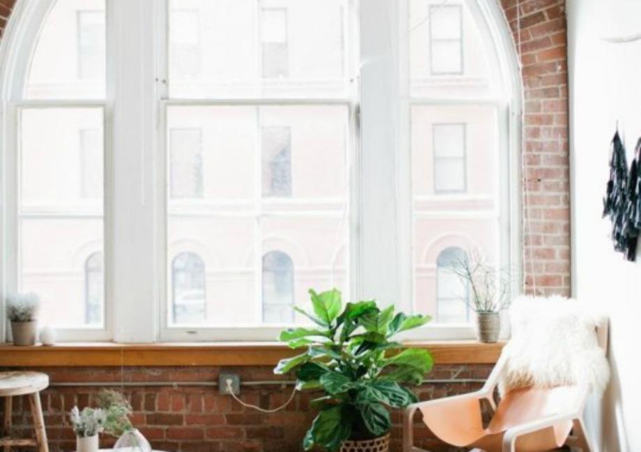 Αν τα παράθυρά σας έχουν όμορφη αρχιτεκτονική, αφήστε τα ακάλυπτα