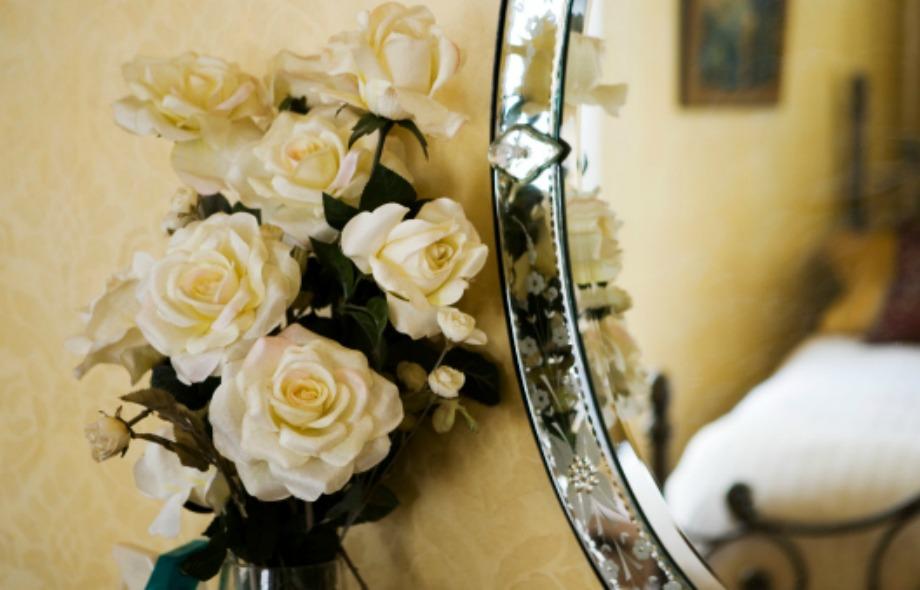 Τ αφρέσκα λουλούδια χωρίς αγκάθια φέρνουν καλοτυχία