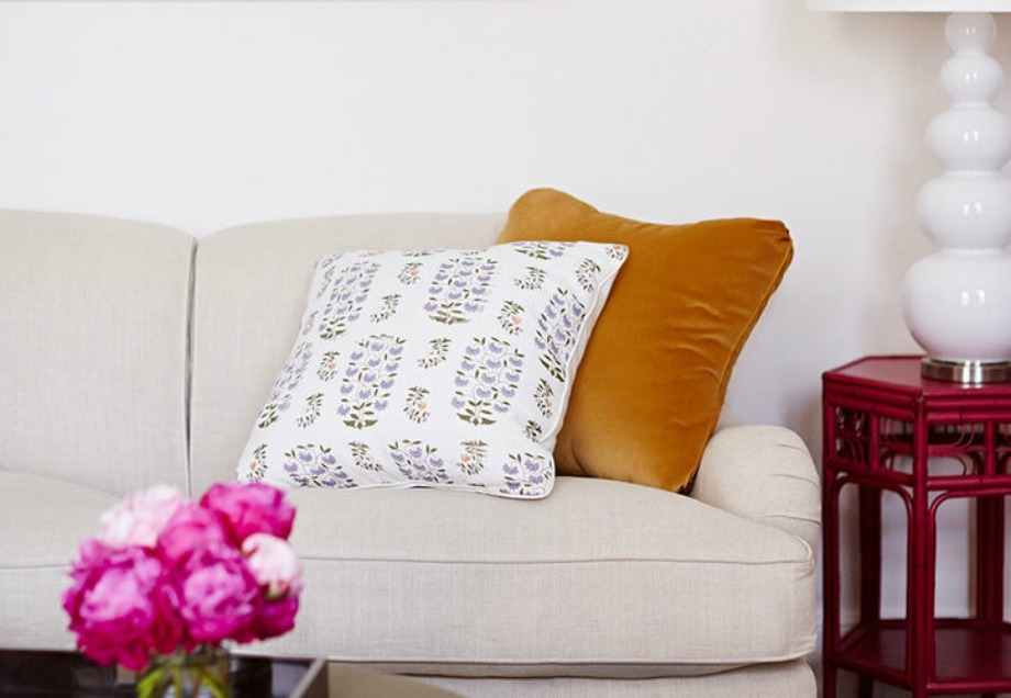 Η διακόσμηση σε έναν μικρό χώρο πρέπει να είναι όσο το δυνατόν μίνιμαλ με όμορφα και ιδιαίτερα διακοσμητικά