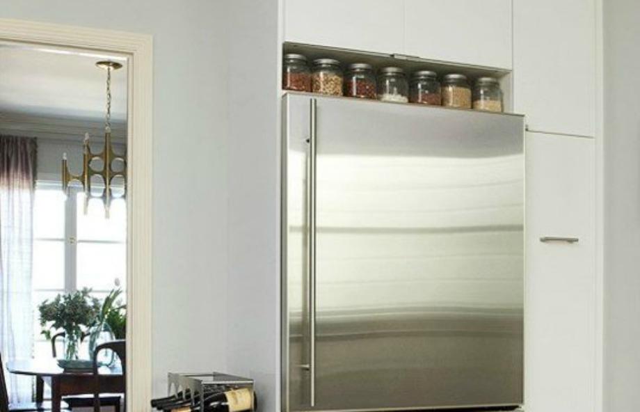 Μερικά όμορφα βαζάκια με μπαχαρικά θα δώσουν στιλ στο ψυγείο σας
