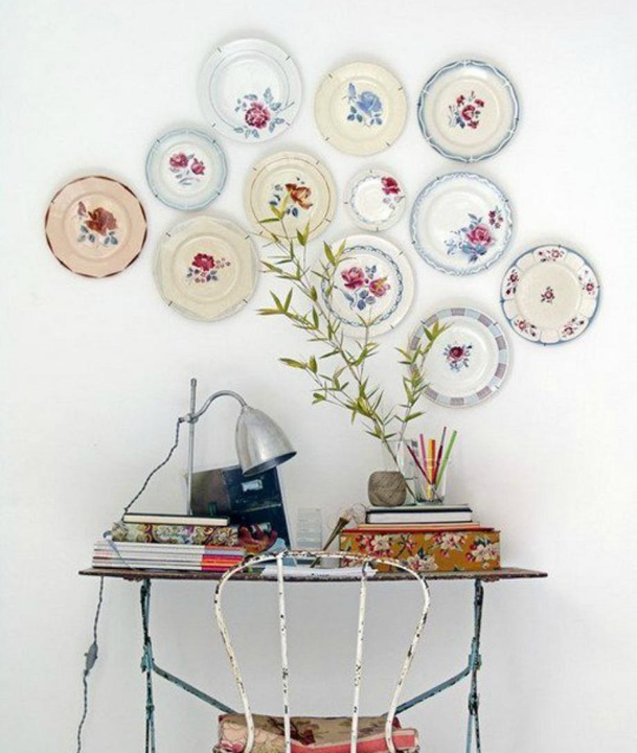 Με πιατάκια μπορείτε να δημιουργήσετε μια όμορφη gallery τοίχου