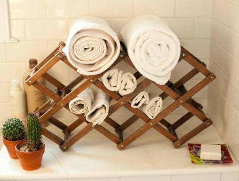 Μια επίσης πολύ όμορφη ιδέα είναι να βάλετε πετσέτες έξω ή μέσα στο μπάνιο σας
