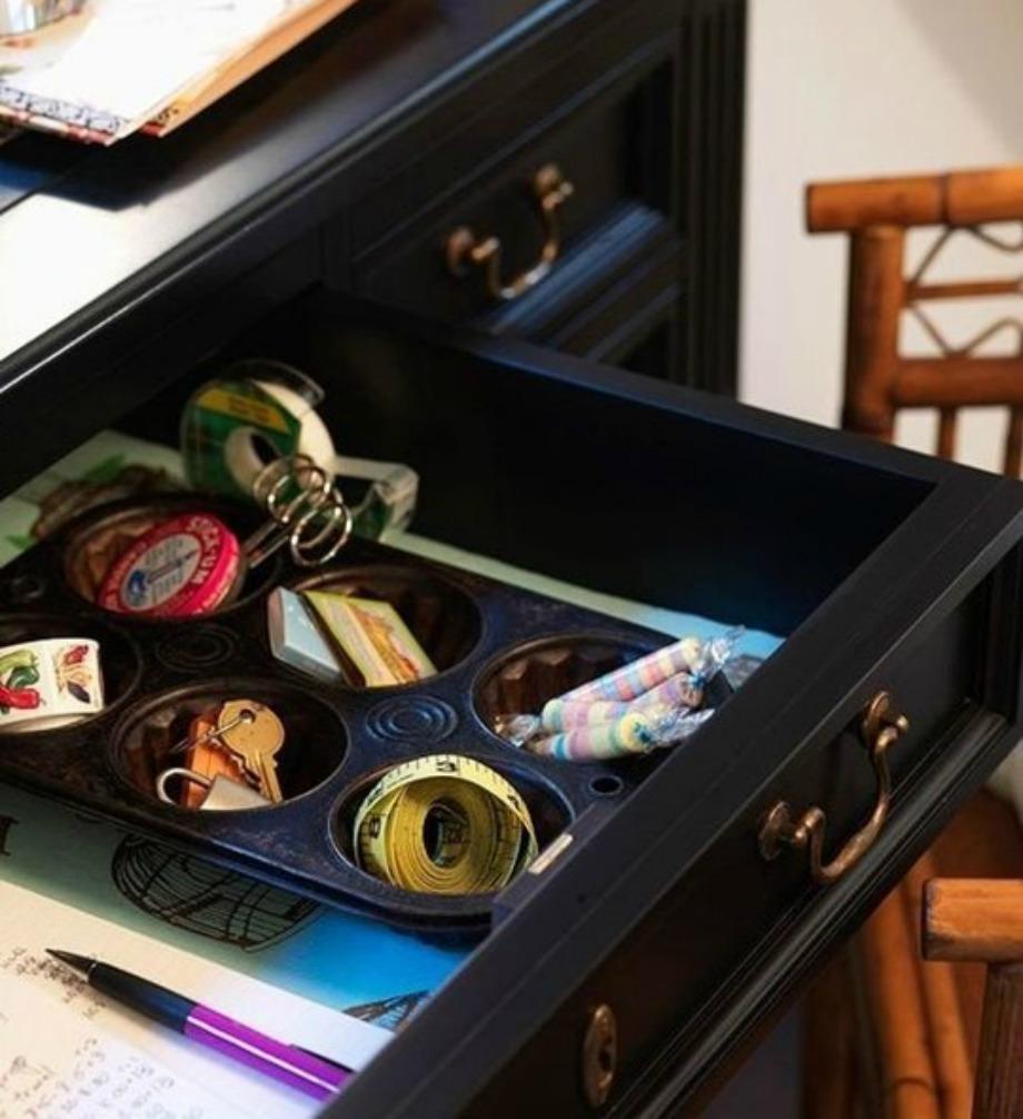 Τα δισκάκια των cupcakes μπορούν να γίνουν ο τέλειος αποθηκευτικός χώρος για τα κοσμήματά σας