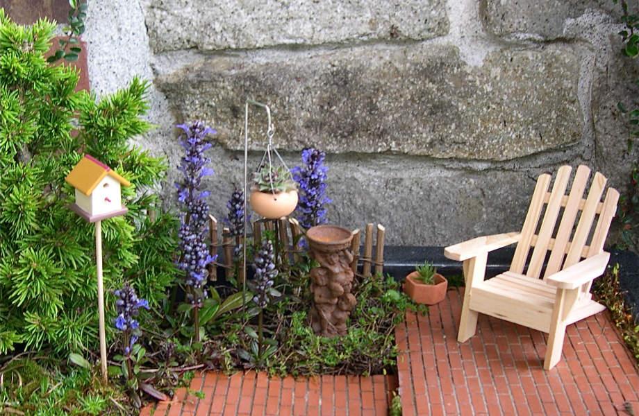 Μπορεί να μην έχετε τον χώρο για να δημιουργήσετε τον κήπο των ονείρων σας, αλλά κανείς δεν σας σταματάει από τον να τον θαυμάζετε σε… μικρογραφία.