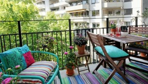 thehomeissue_smallbalcony004