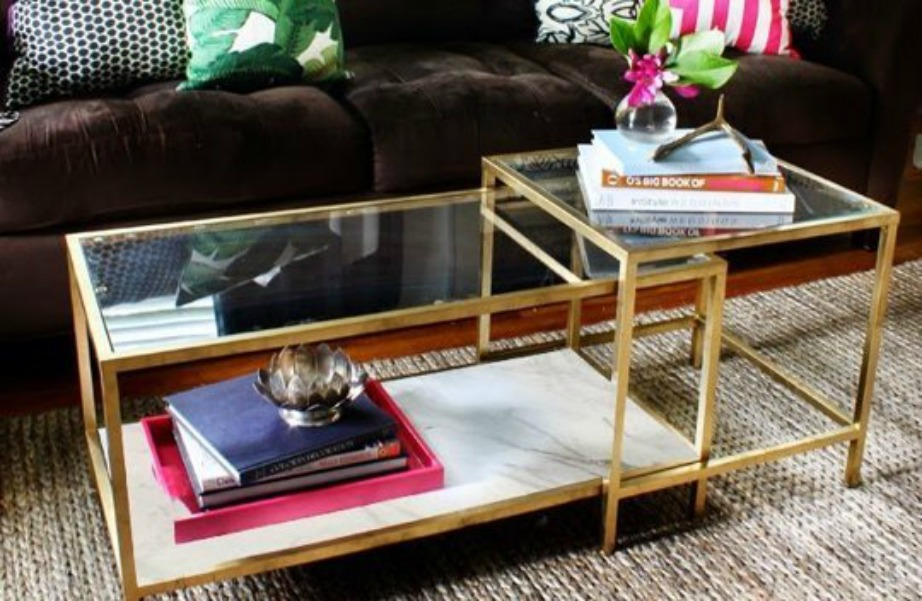 Πολυτέλεια και λάμψη στο τραπεζάκι του σαλονιού χρησιμοποιώντας λίγη χρυσή μπογιά