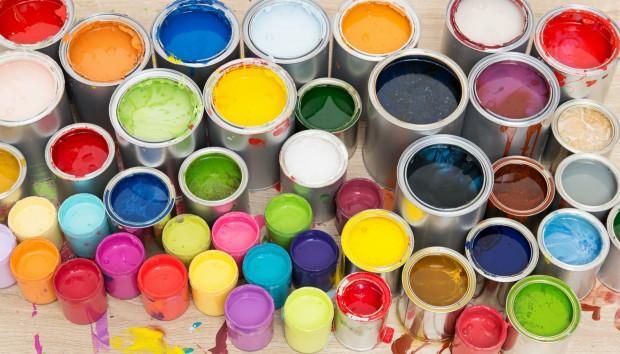 Αυτή Είναι η Εκπληκτική Μπογιά που Αλλάζει Χρώμα στους Τοίχους με το Πάτημα ενός Κουμπιού