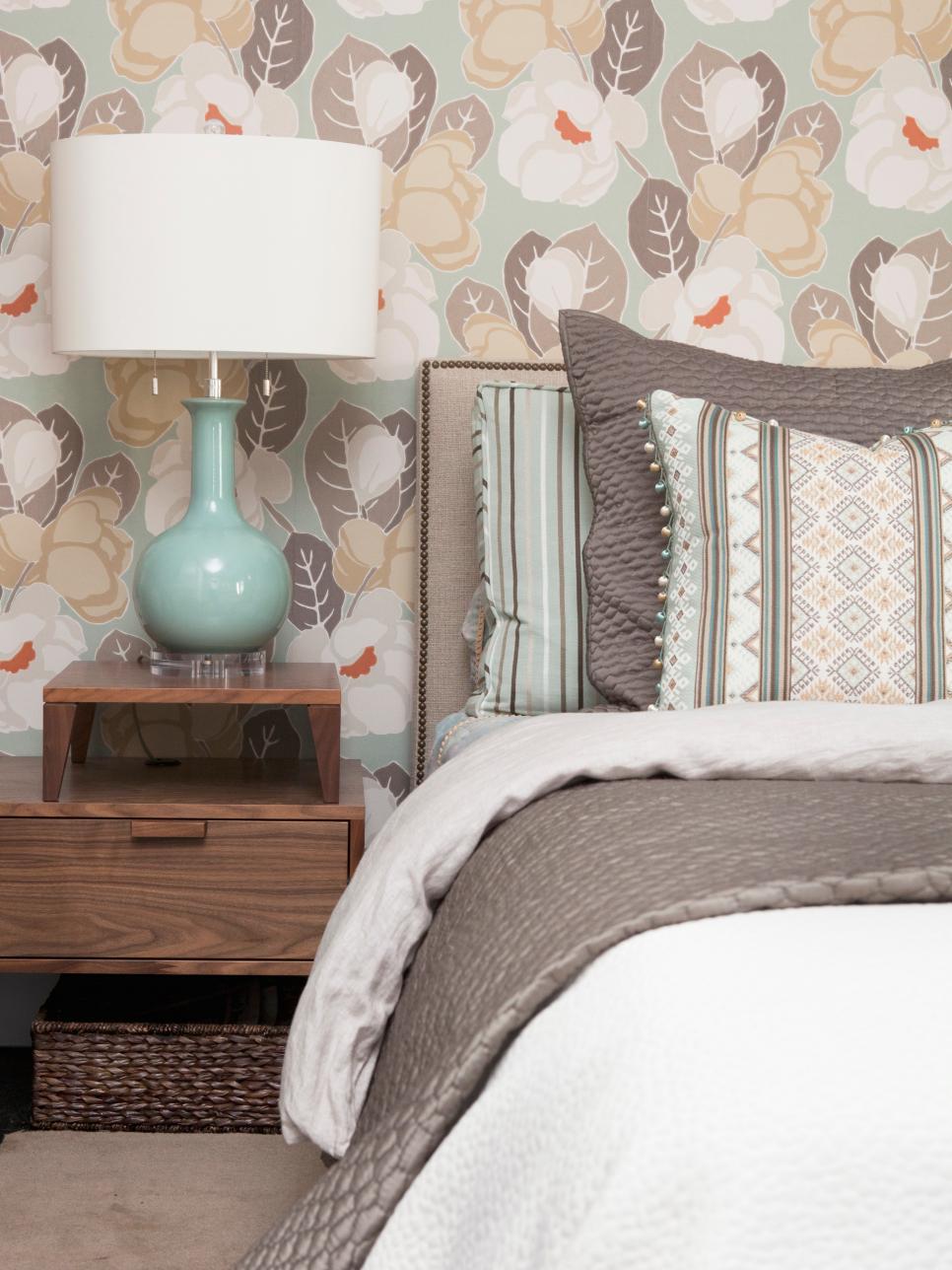 Οι boho πινελιές φέτος είναι must στη διακόσμηση με συνδυασμό σχεδίων και υλικών.