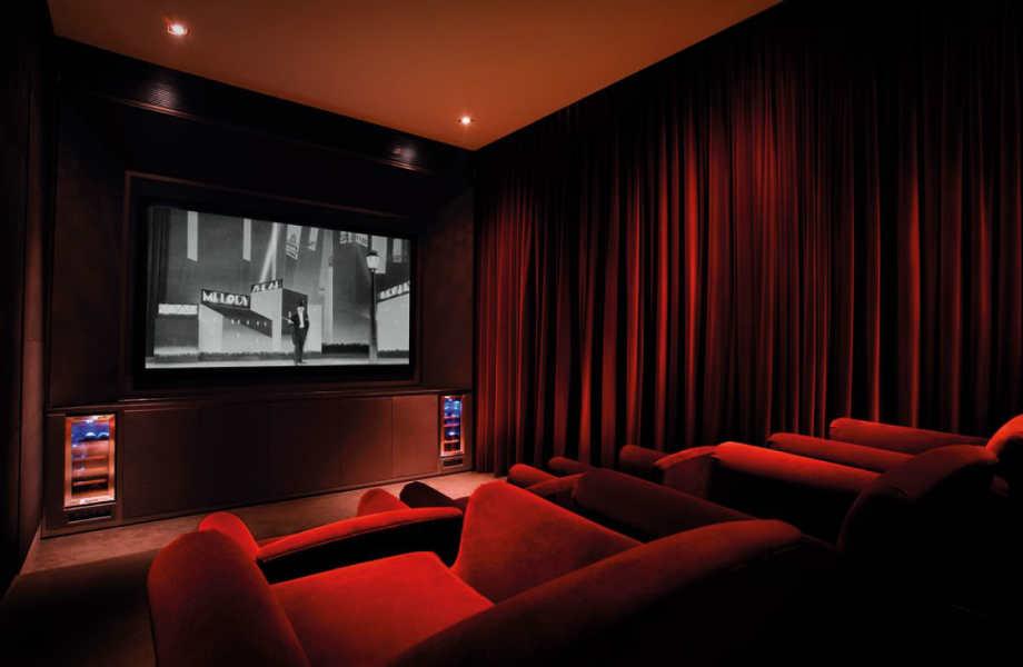 Αγαπάτε το σινεμά; Μια αίθουσα προβολής ταινιών αποτελεί την καλύτερη απόδειξη.