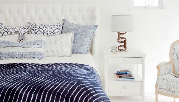 «Τι χρώμα μπορώ να βάψω το υπνοδωμάτιο αν έχω ανοιχτόχρωμο κρεβάτι;»