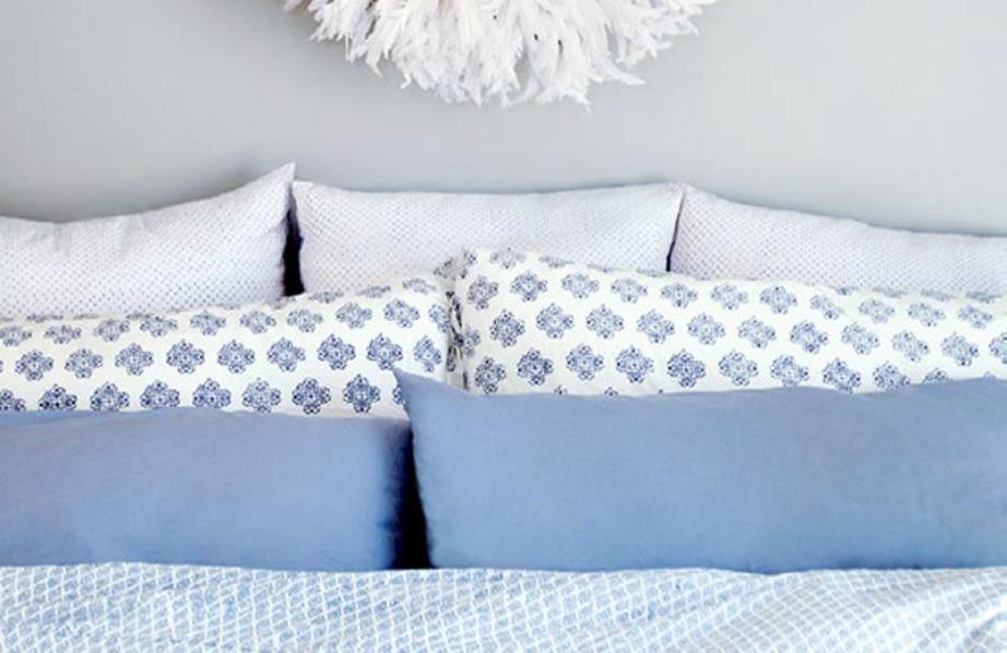 Οι παλ αποχρώσεις του μπλε ταιριάζουν πολύ όμορφα με το λευκό