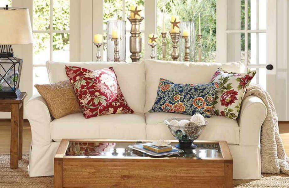 Τολμήστε να συνδυάσετε μαξιλάρια σε διαφορετικά φλοράλ μοτίβα και χρώματα!