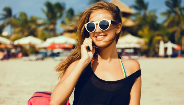 4 Σπιτικές Μάσκες για να Ανανεώσετε τα Μαλλιά σας Πριν τις Διακοπές