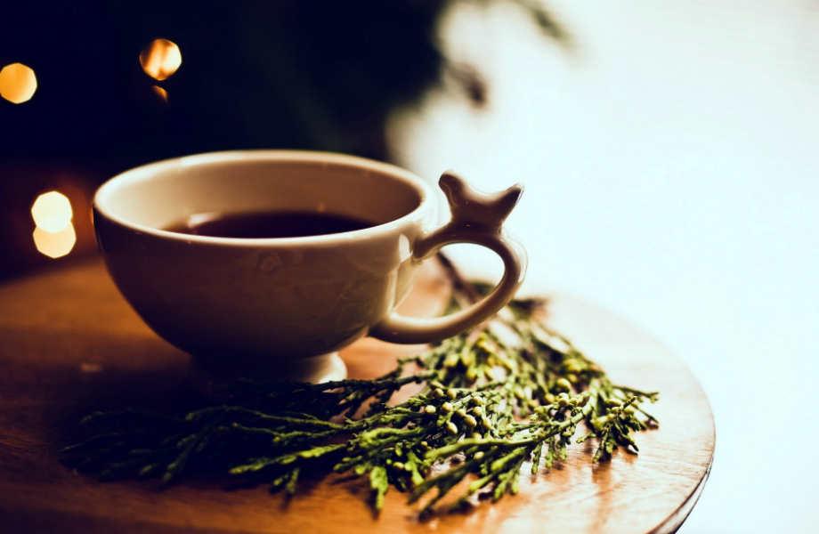 Το παλιό σας τζιν έχει ξεθωριάζει; Ώρα για τσάι!